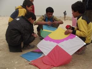 APV Ghulamai fixes string to the kite